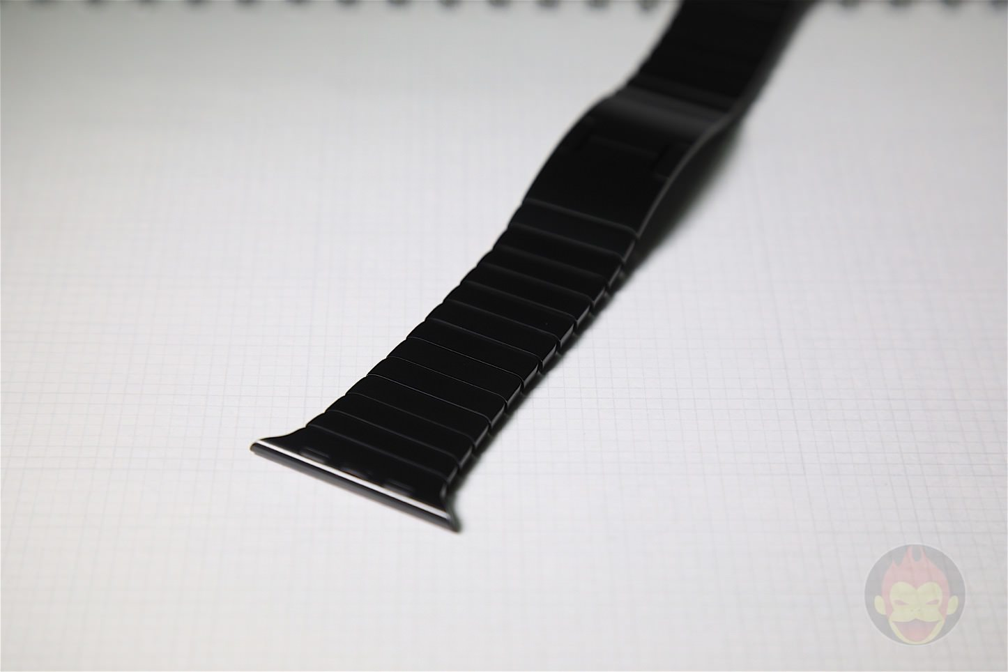 Apple-Link-Bracelet-Black-06.jpg