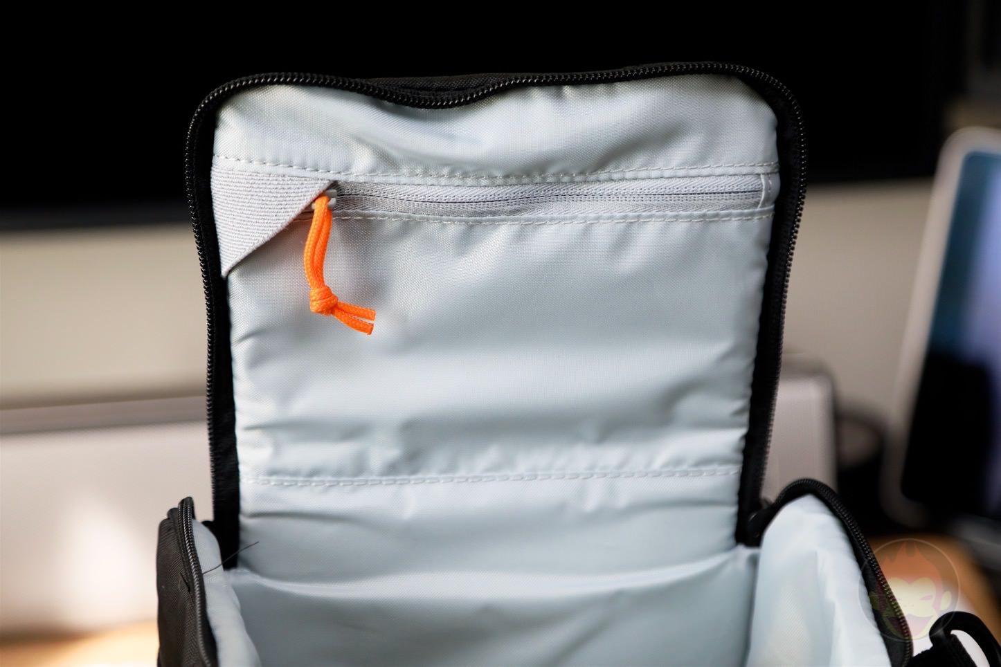 Lowepro-Camera-bag-Toploader-Zoom-AW2-03.jpg