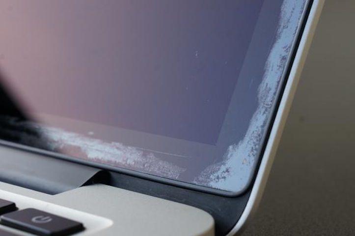 MacBook-Pro-anti-reflective-wearing-off.jpg