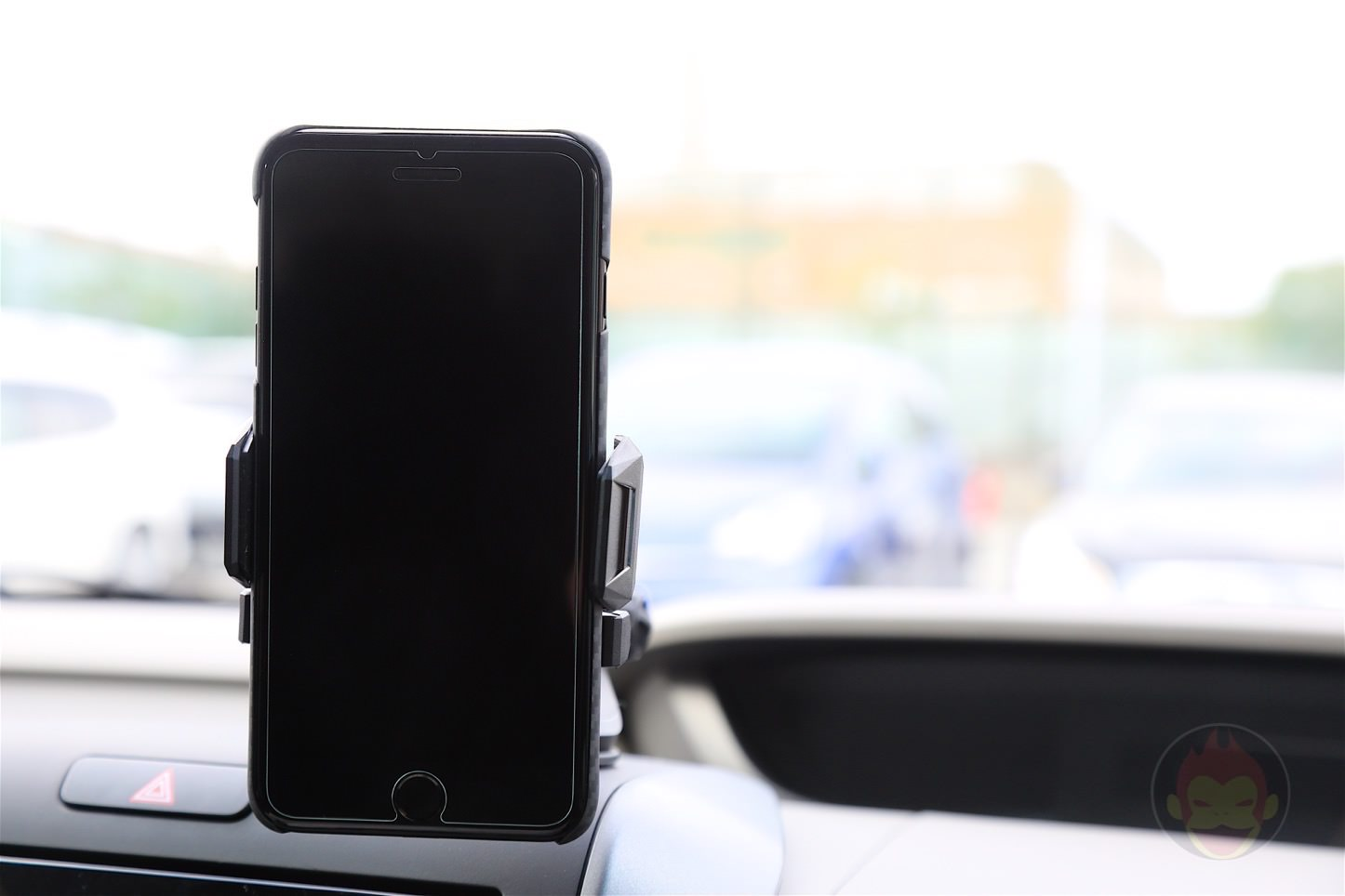 Spigen-AP12T-Car-Mount-08.jpg