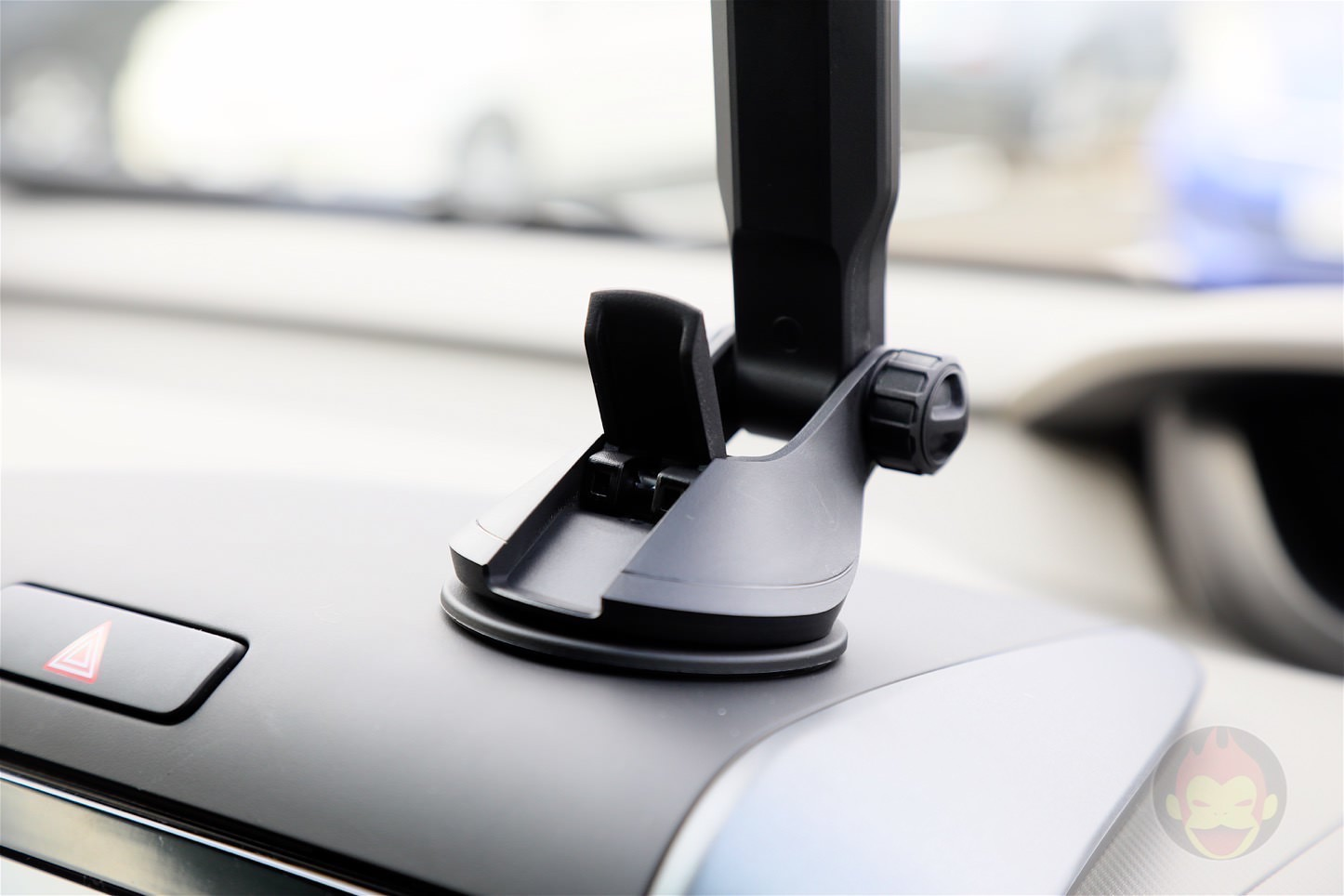 Spigen AP12T Car Mount