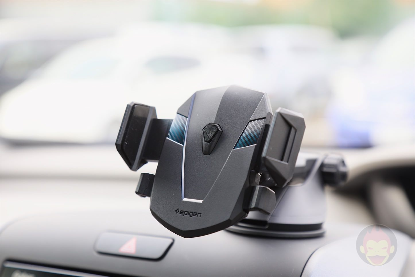 Spigen-AP12T-Car-Mount-16.jpg