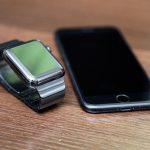 Using-Apple-Link-Bracelet-Black-04.jpg