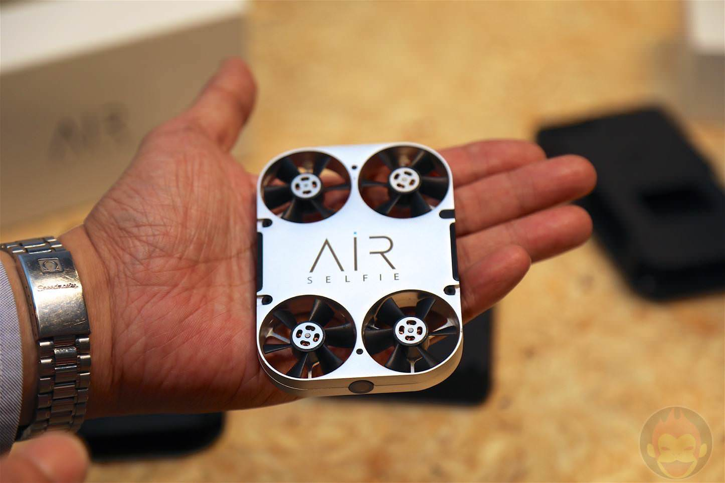 AirSelfie-Drone-Type-Selfie-Unit-01.jpg