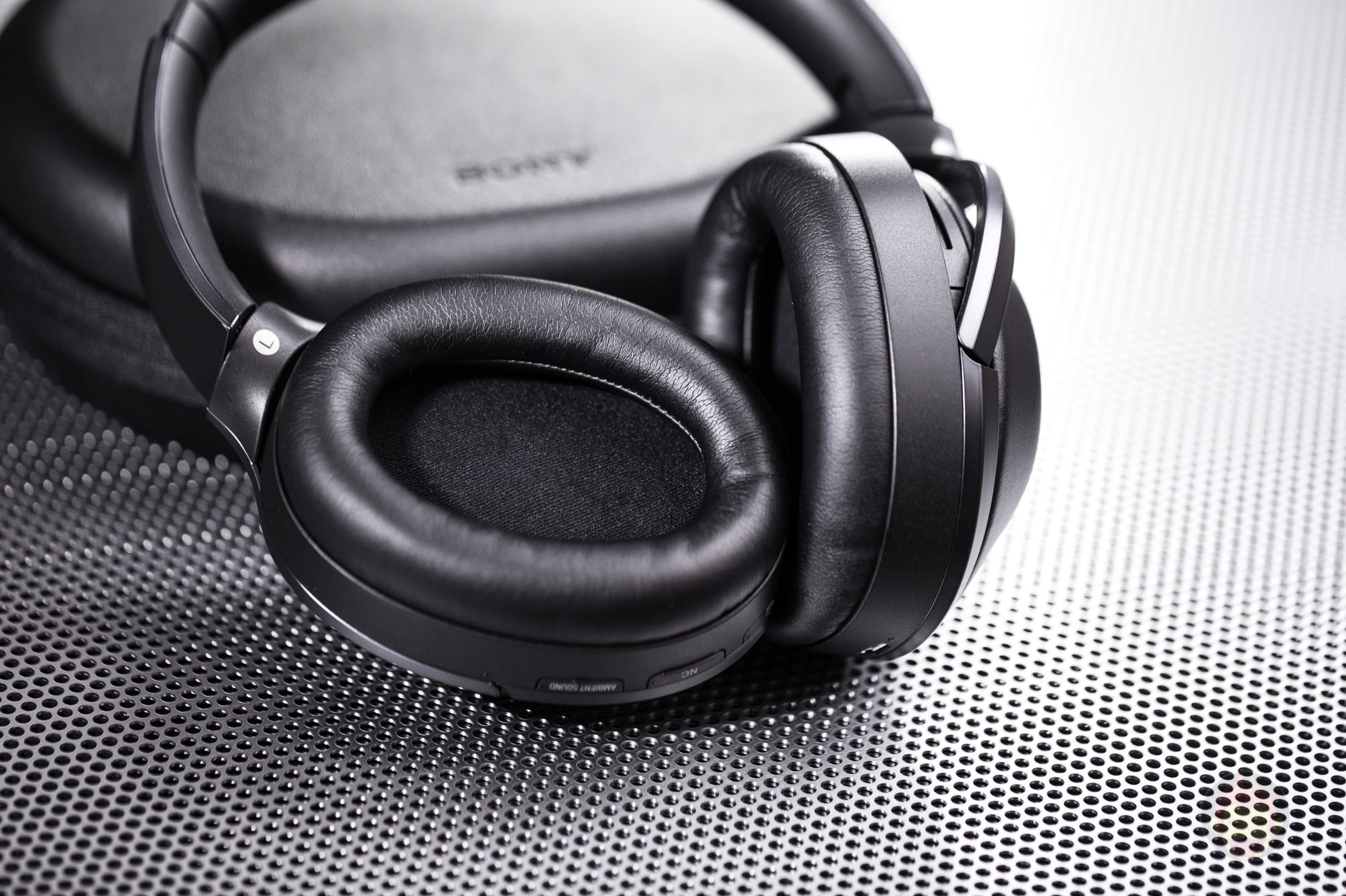 SONY Wireless Headphones MDR 1000X Review