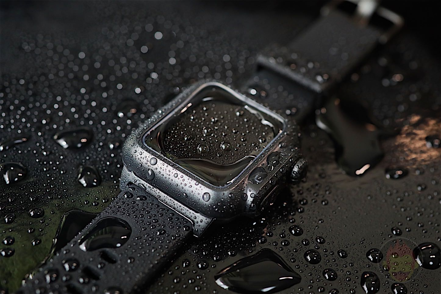 Catalyst Waterproof Apple Watch Case 01