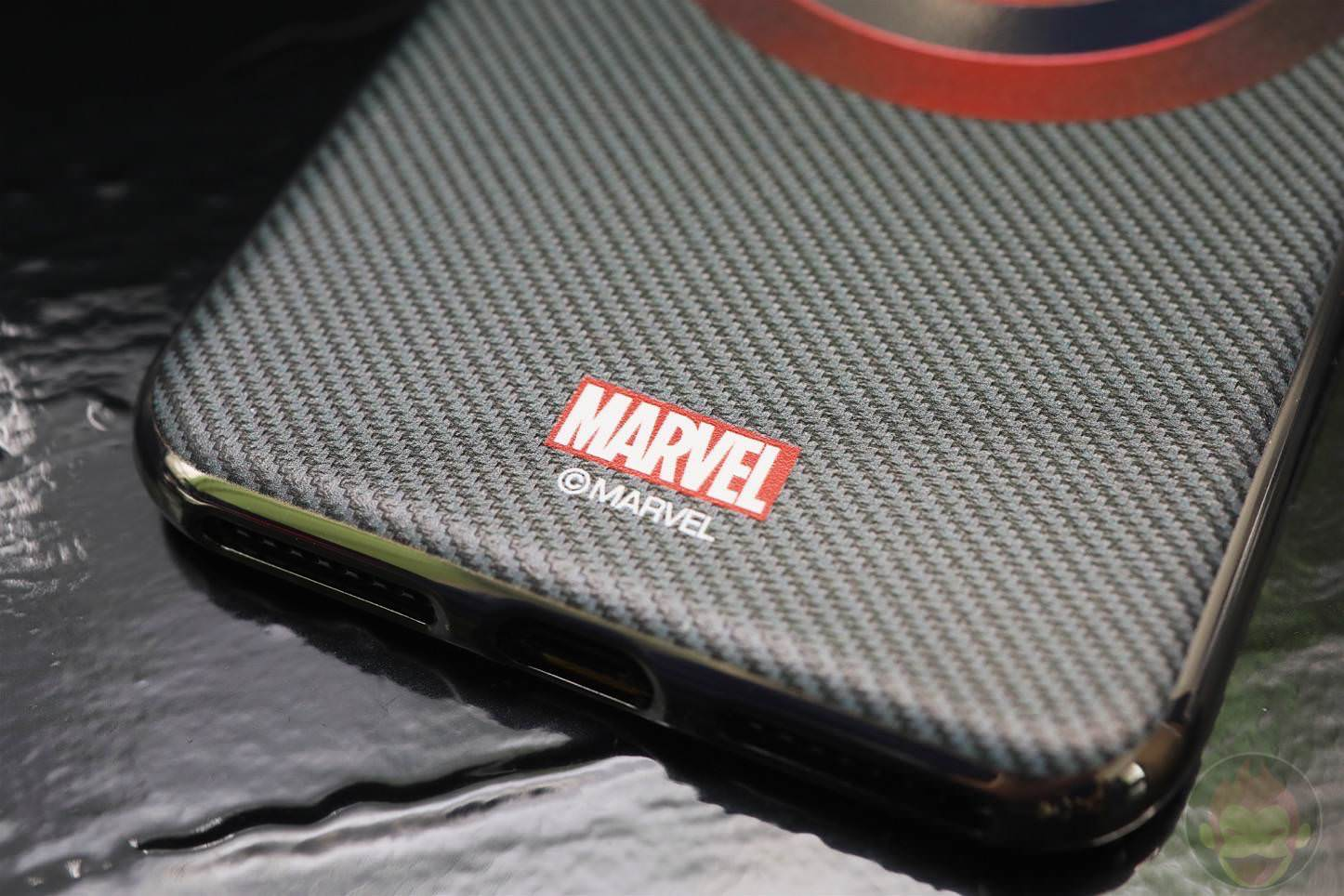 MARVEL-Design-iPhone-7-Plus-Case-and-Ring-01.jpg