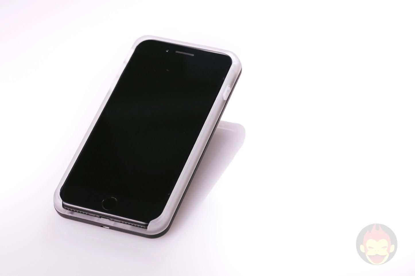 LuMee-Duo-LED-Lighting-Case-01.jpg