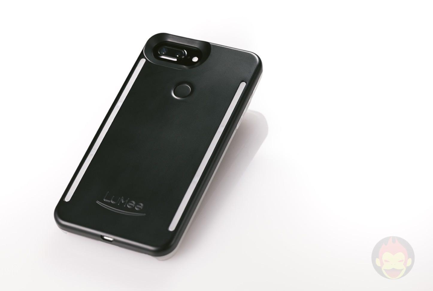 LuMee-Duo-LED-Lighting-Case-02.jpg