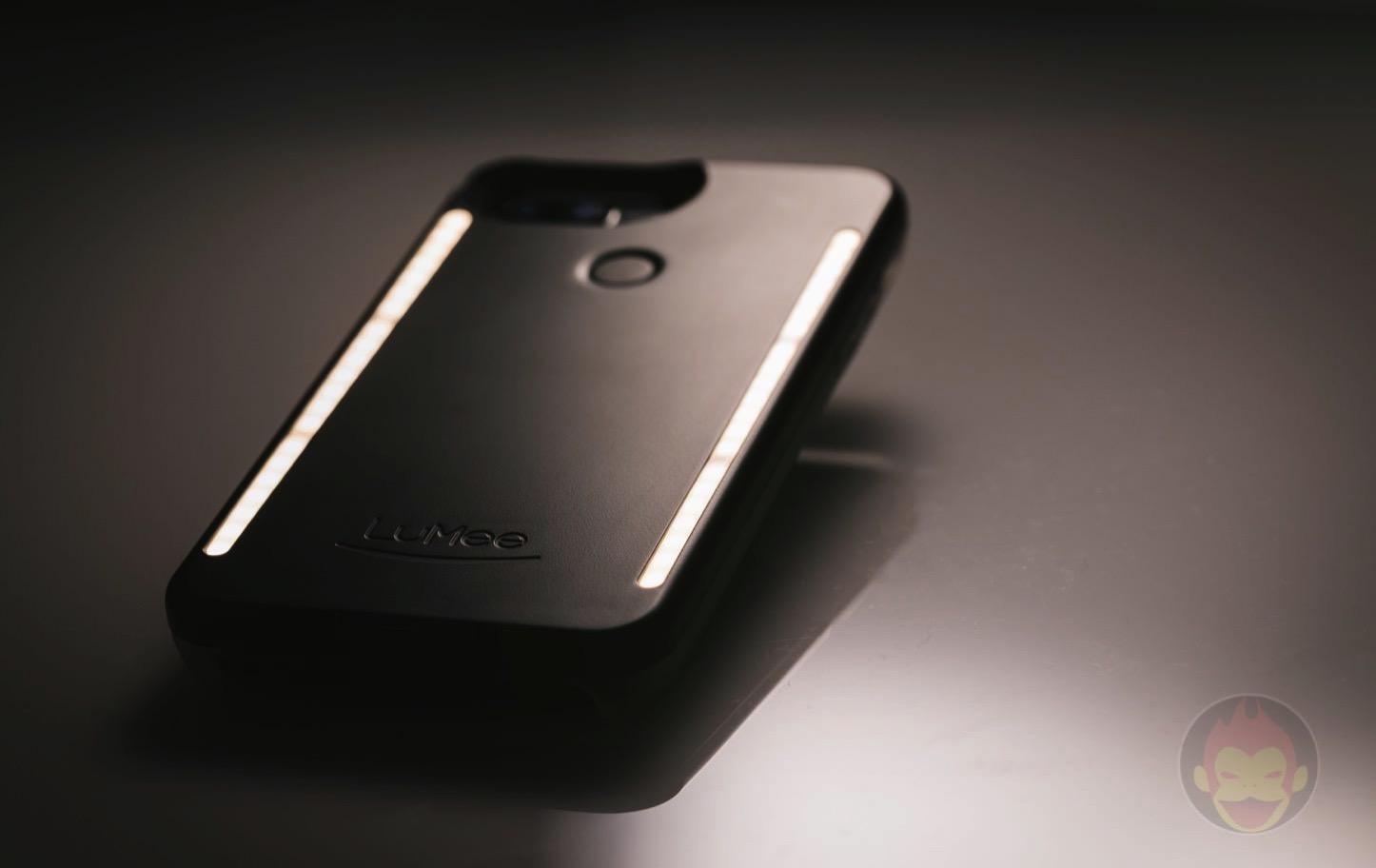 LuMee-Duo-LED-Lighting-Case-03.jpg