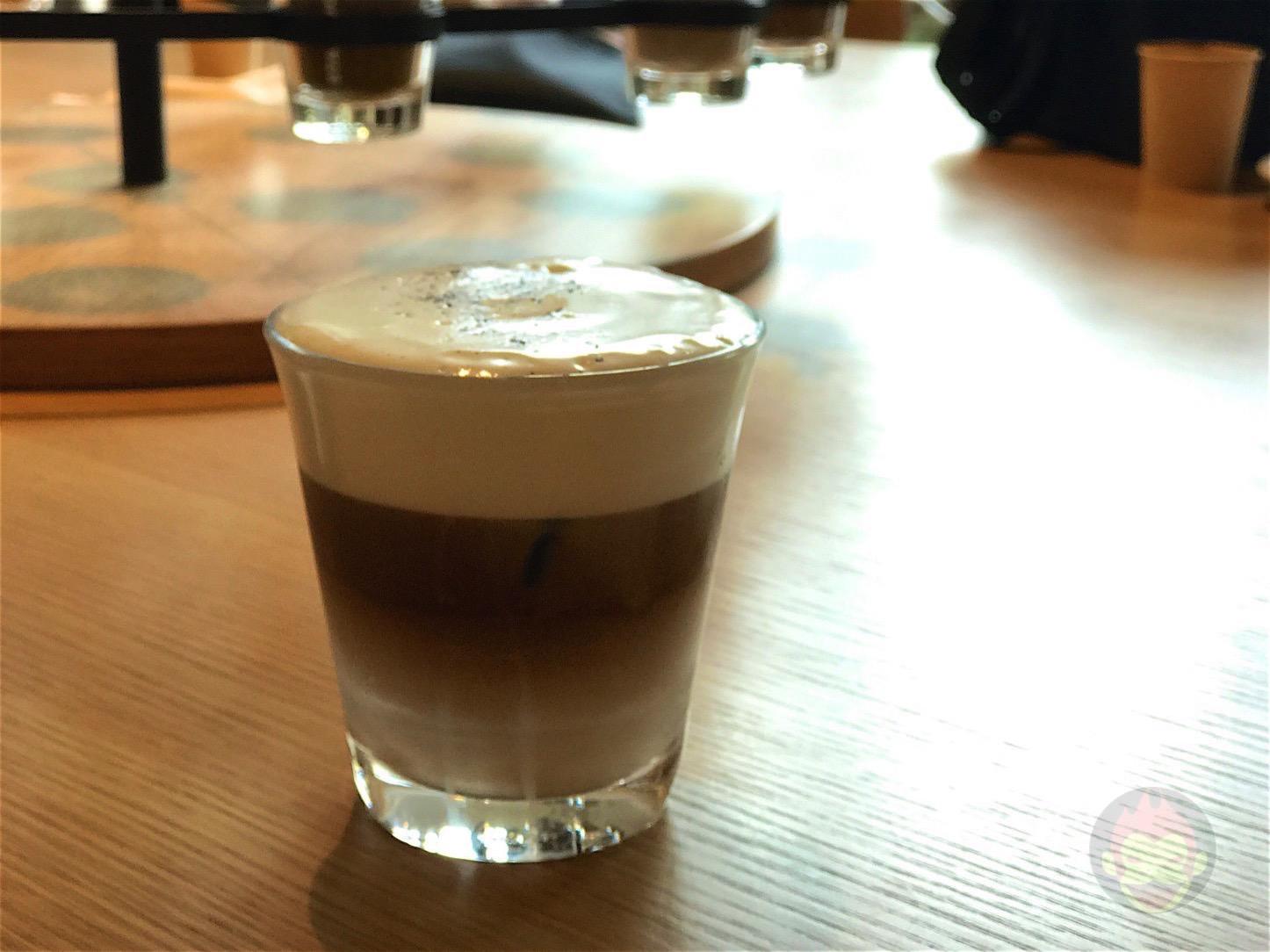 Starbucks-Neighborhood-and-Coffee-01.jpg