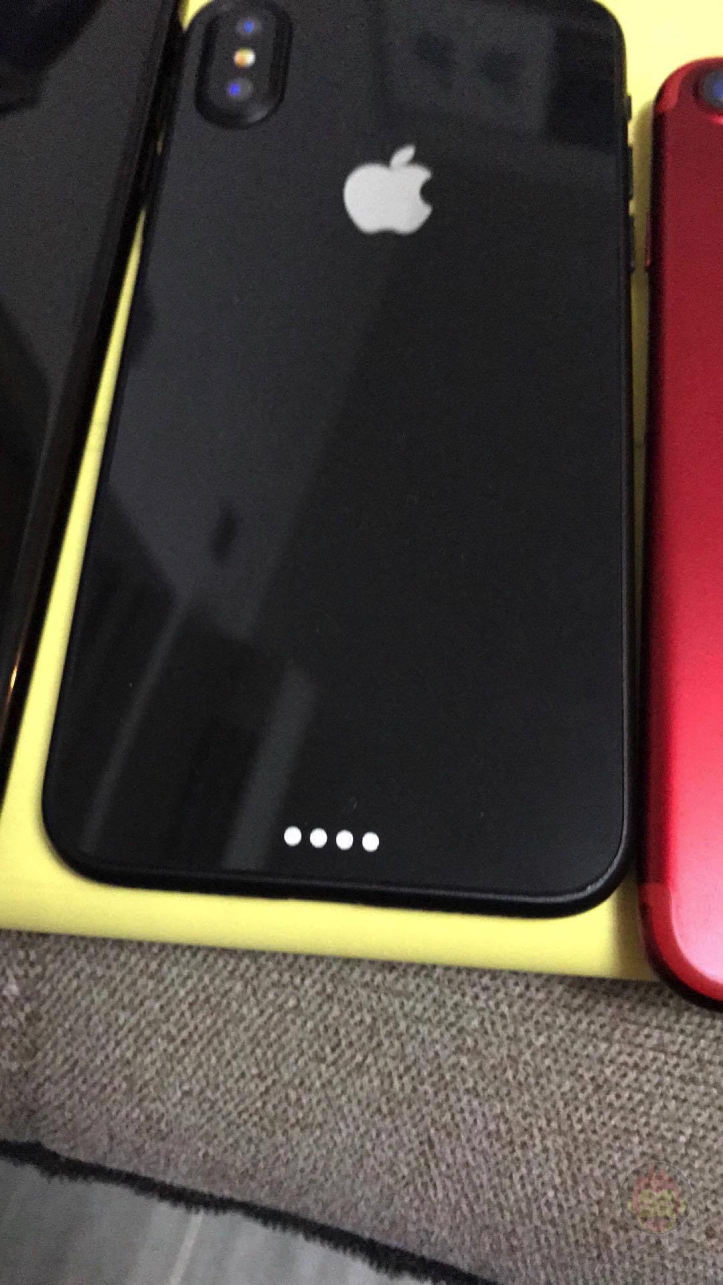 iPhone-Pro-8-Edition-Mockup-GoriMe-12.jpg