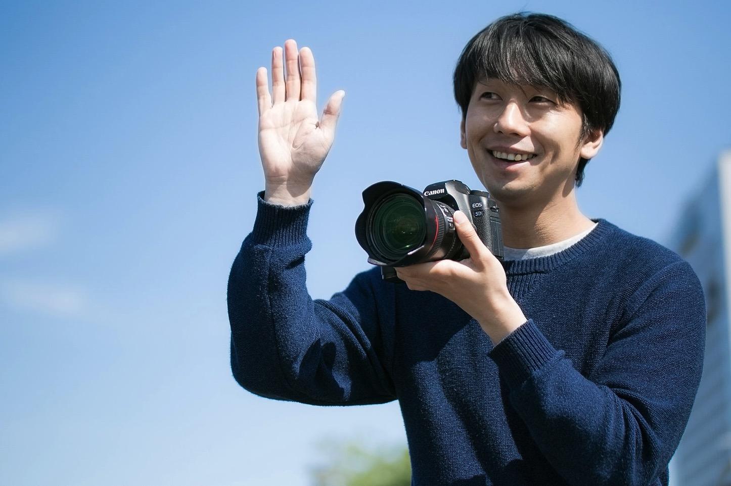 my-hobby-is-taking-photos-pakutaso.jpg