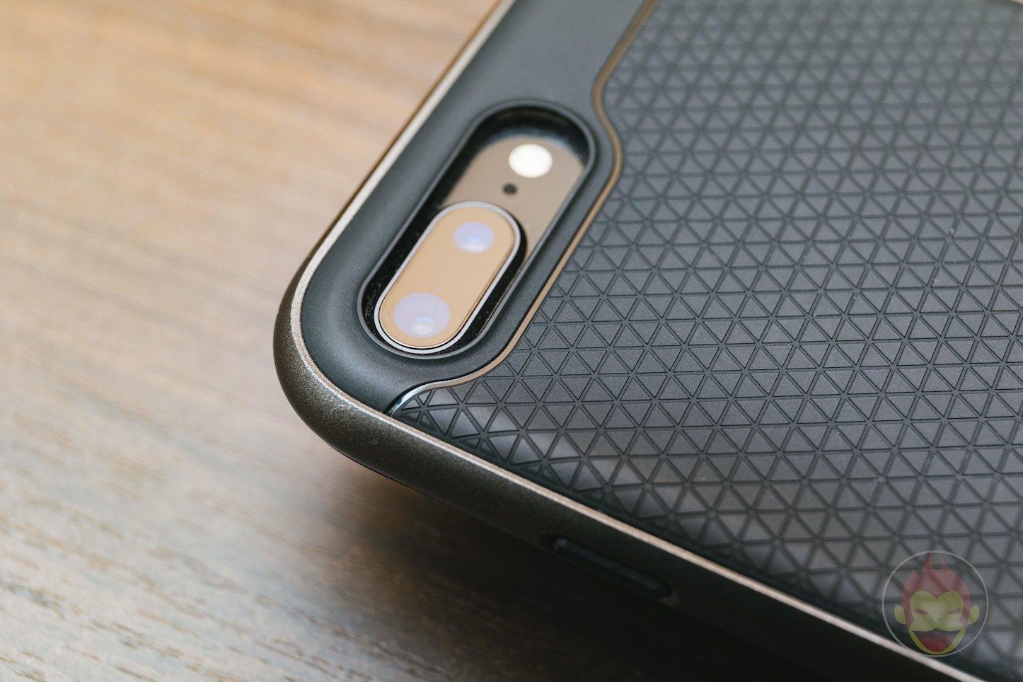Spigen-Neo-Hybird-2-iPHone8Plus-Case-Review-03.jpg