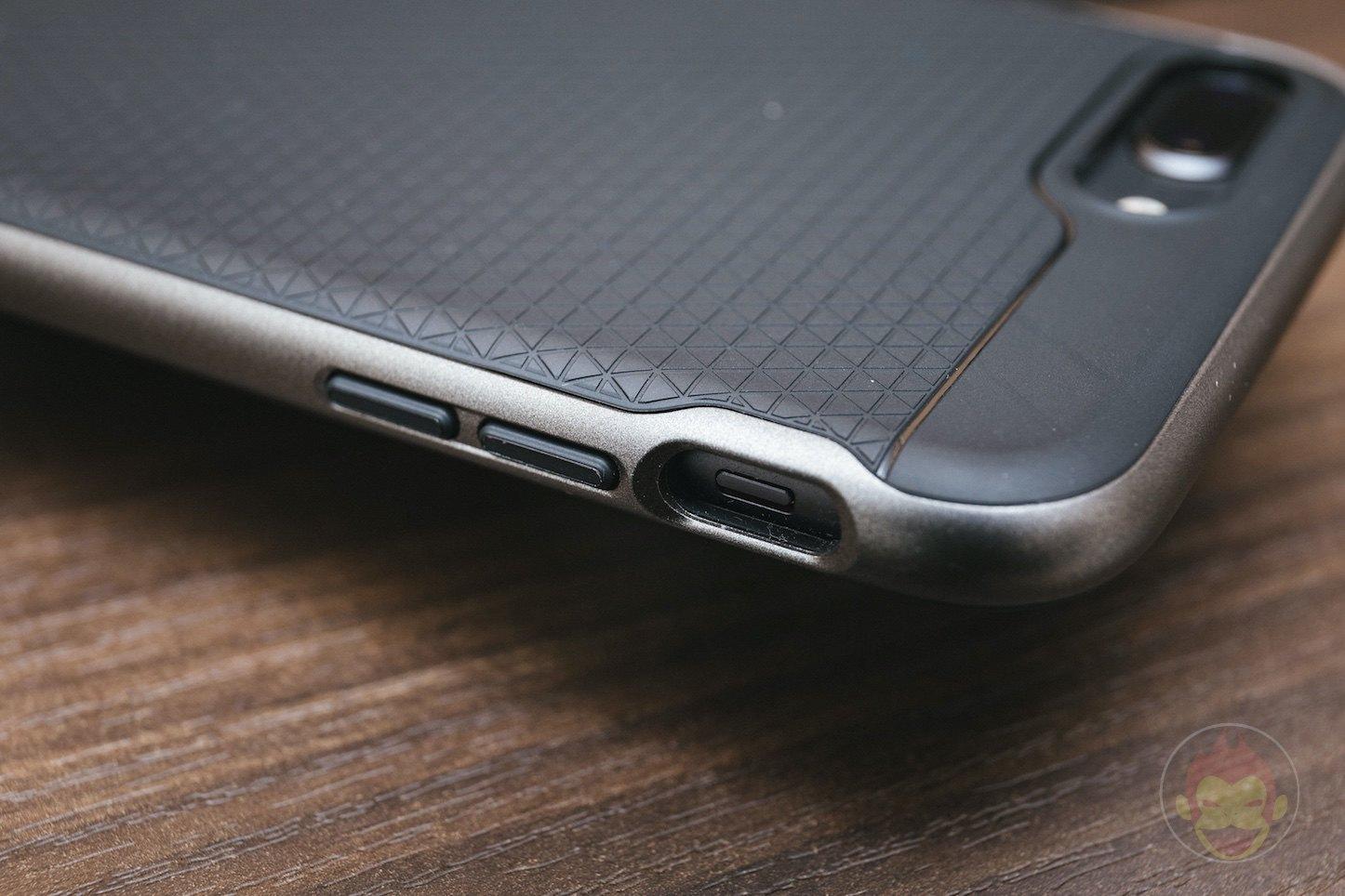 Spigen-Neo-Hybird-2-iPHone8Plus-Case-Review-07.jpg