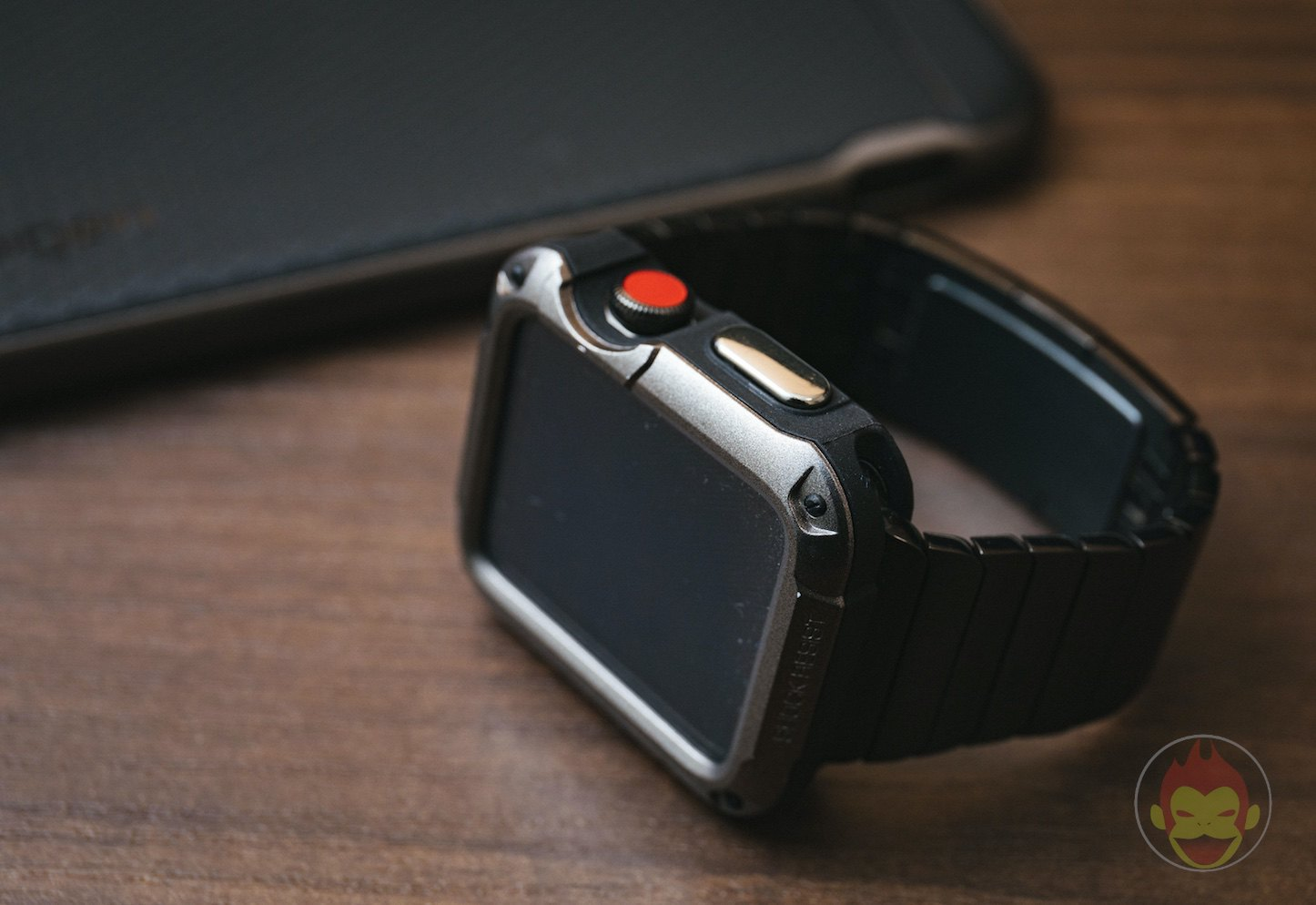 Spigen-Touch-Armor-Apple-Watch-Case-01.jpg
