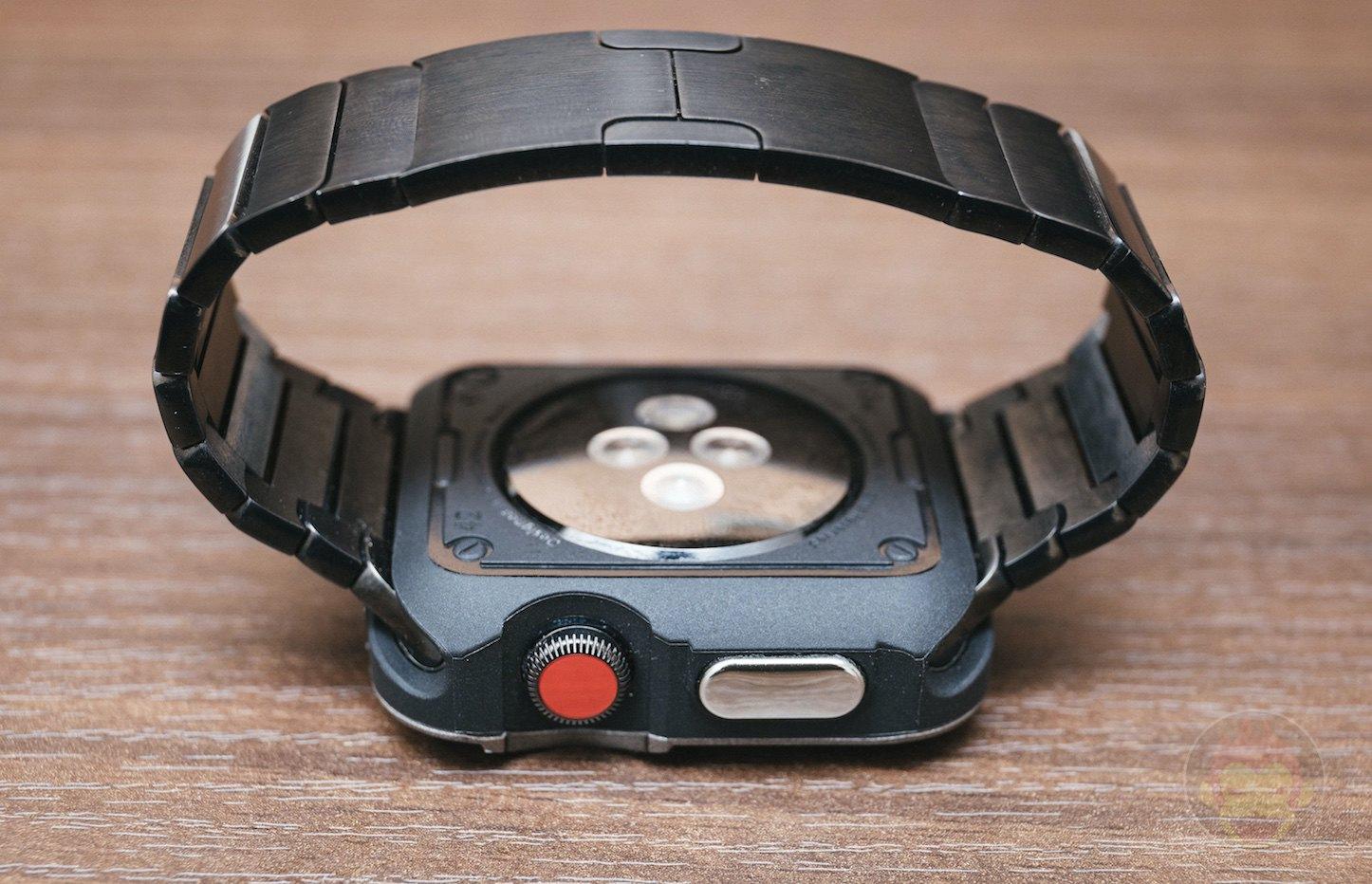Spigen-Touch-Armor-Apple-Watch-Case-03.jpg