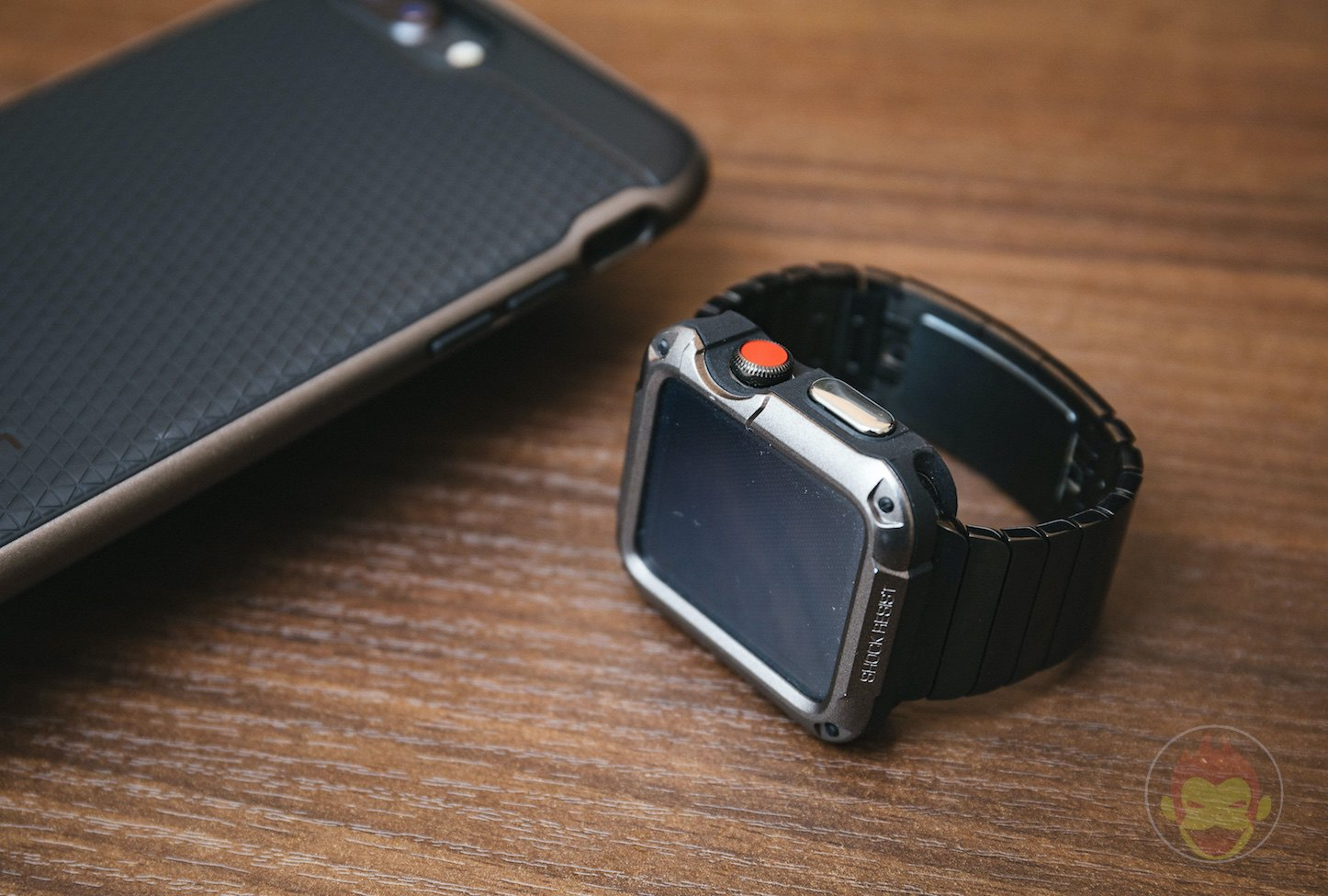 Spigen-Touch-Armor-Apple-Watch-Case-09.jpg