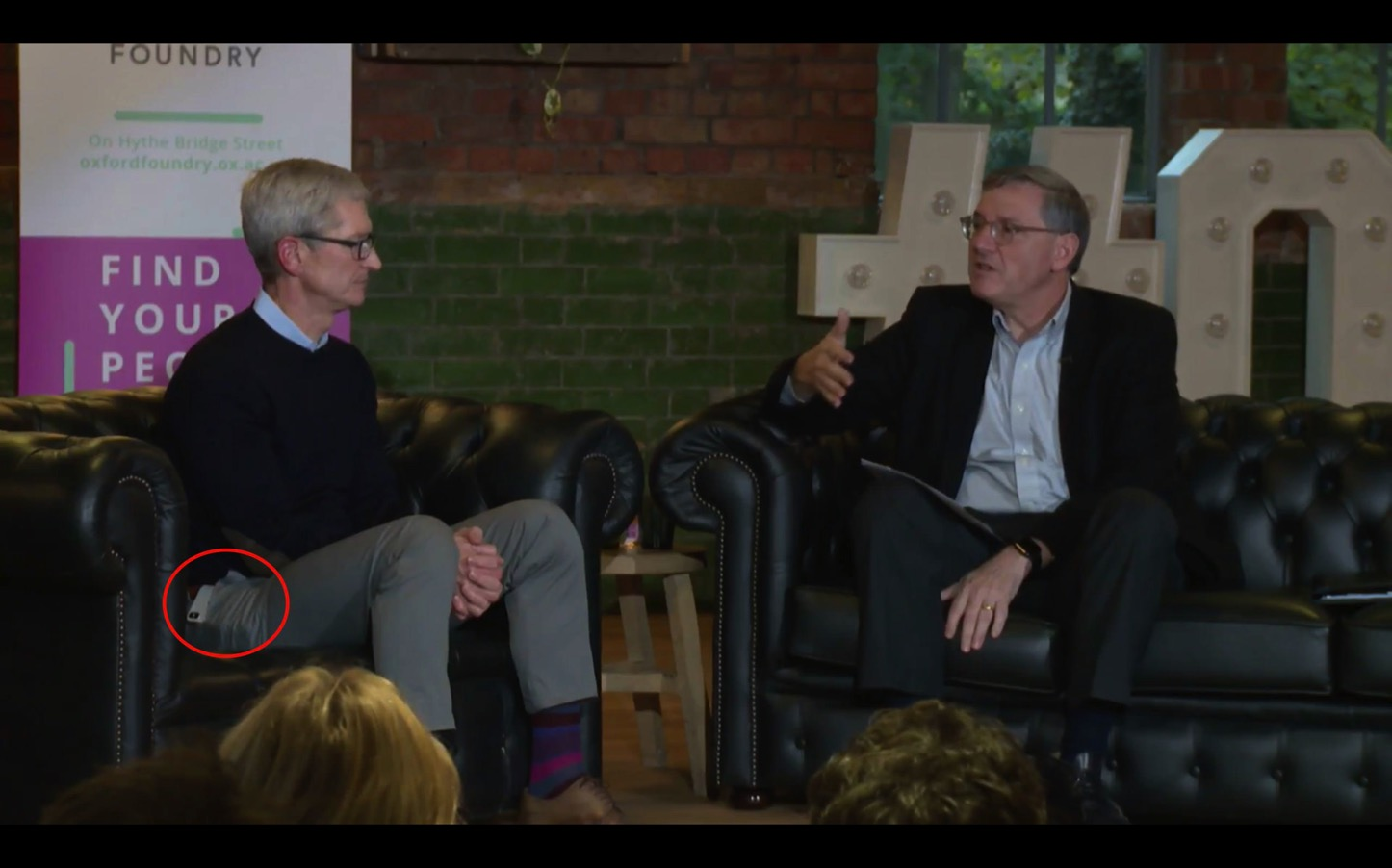 Tim Cook Has a Silver iPhoneX