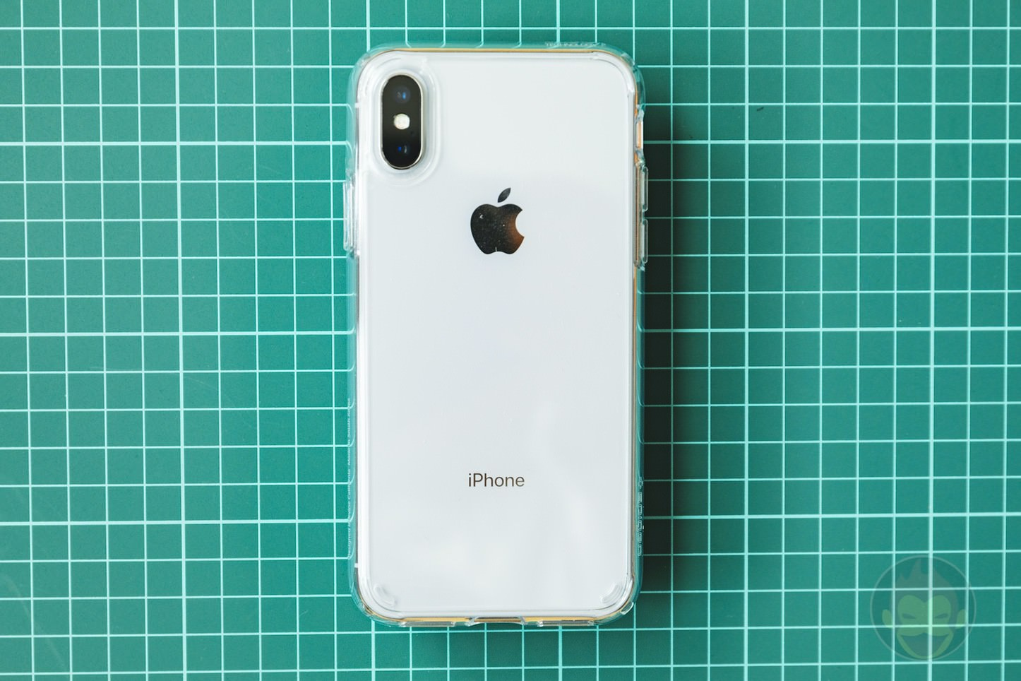 Spigen Liquid Crystal case for iPhoneX 08