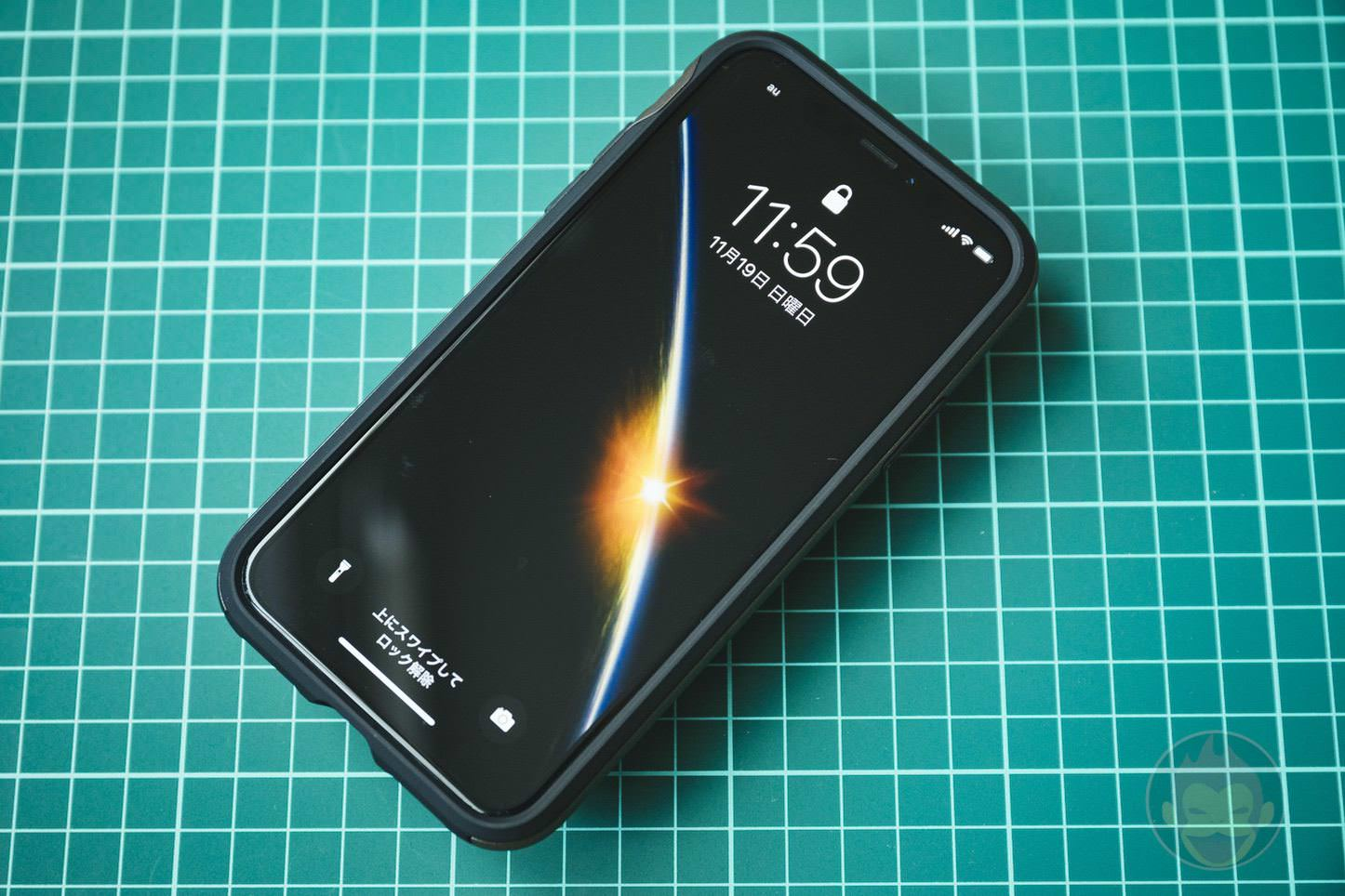 Spigen-Neo-Hybrid-Case-for-iPhoneX-08.jpg