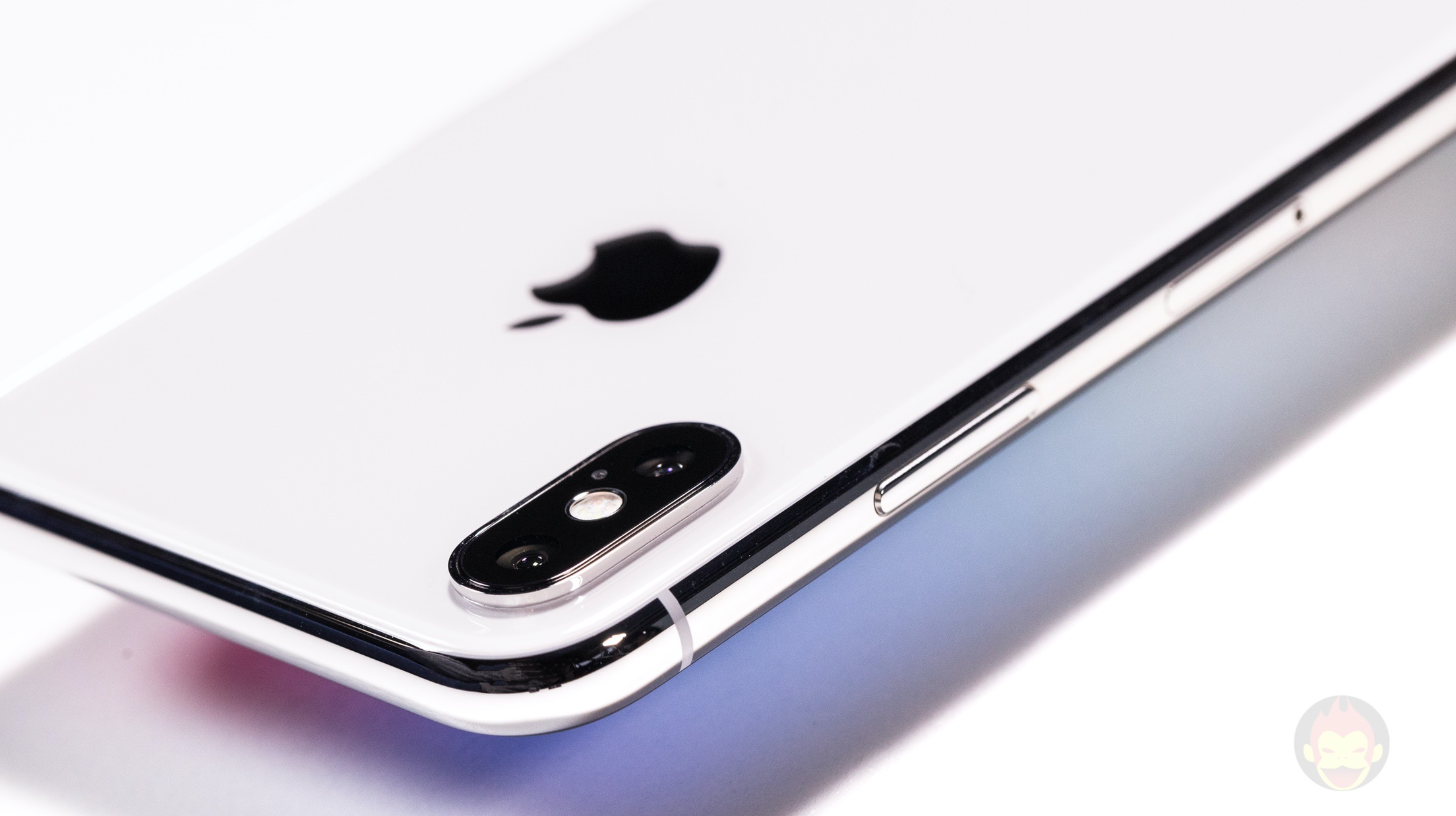 iPhone-X-Silver-Review-001.jpg