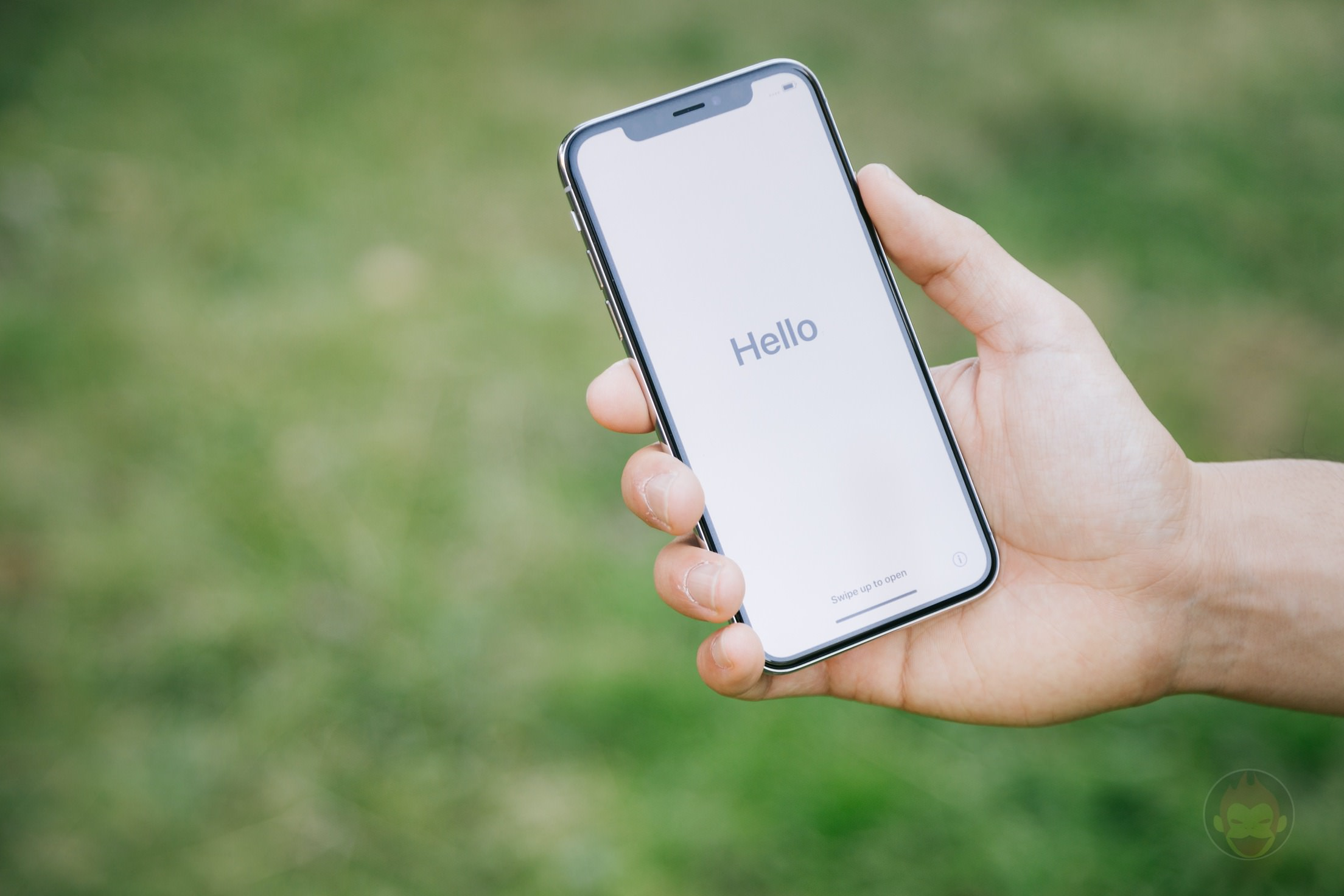 iPhone-X-Silver-Review-01.jpg