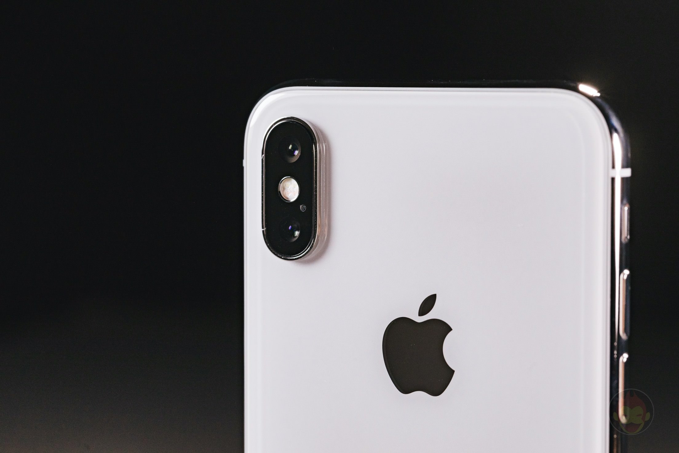 iPhone-X-Silver-Review-29.jpg
