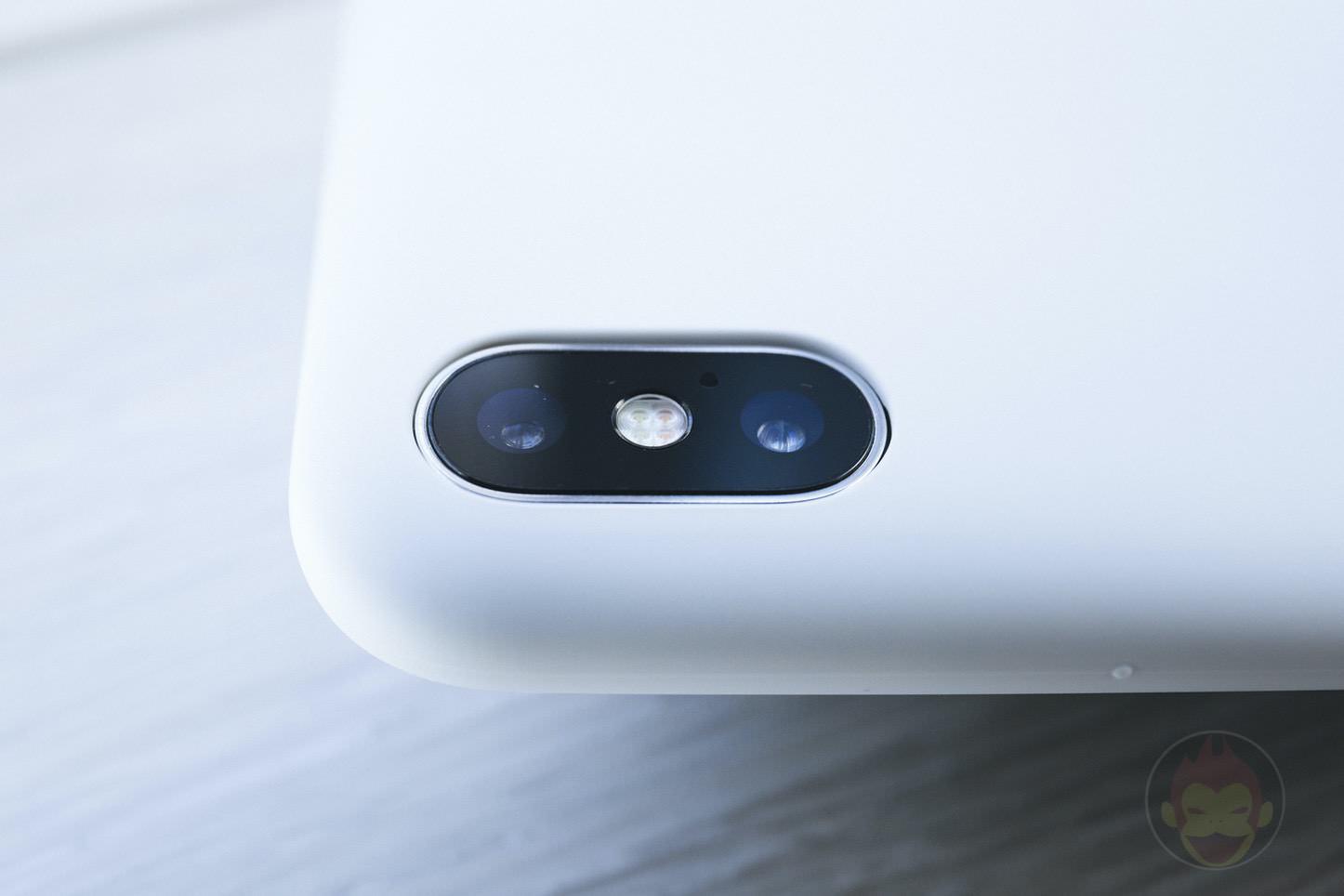 Mynus-iPhoneX-Case-Black-White-03.jpg