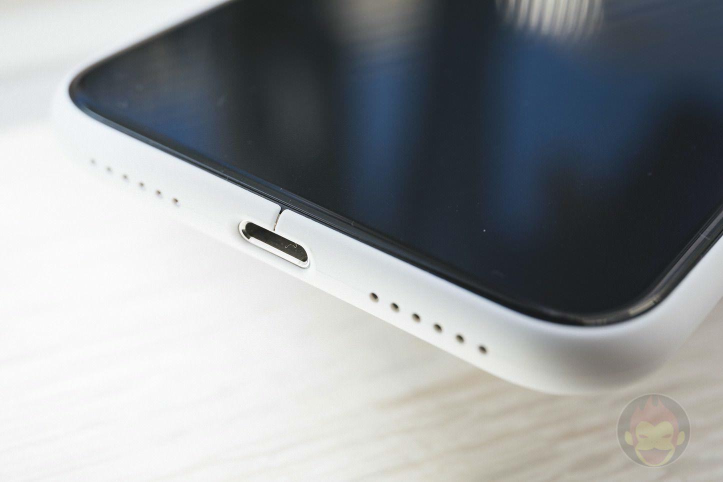 Mynus-iPhoneX-Case-Black-White-05.jpg