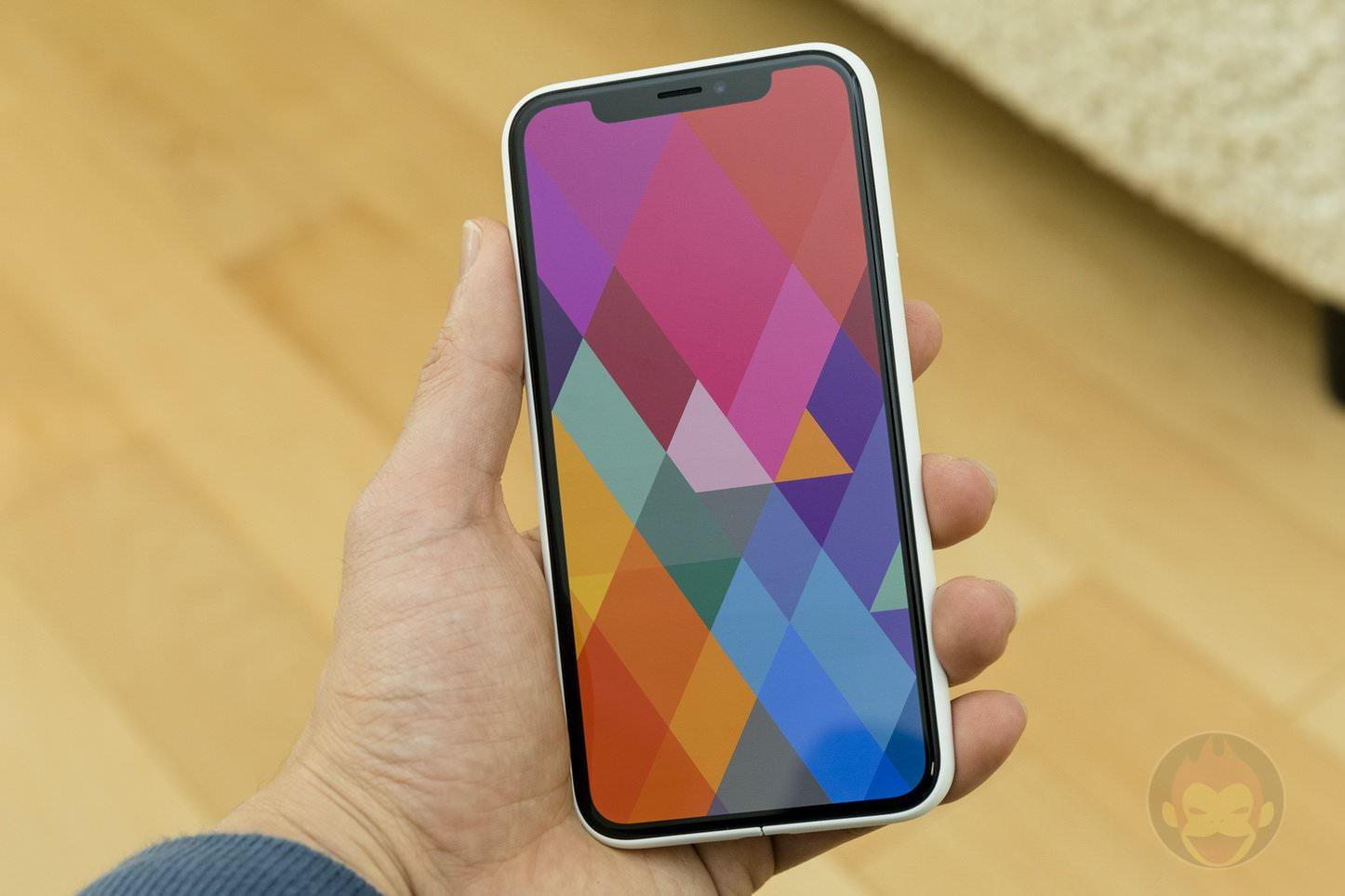Mynus-iPhoneX-Case-Black-White-22.jpg
