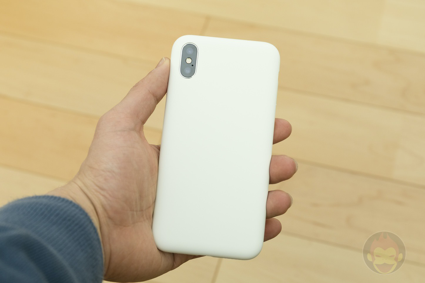 Mynus-iPhoneX-Case-Black-White-23.jpg