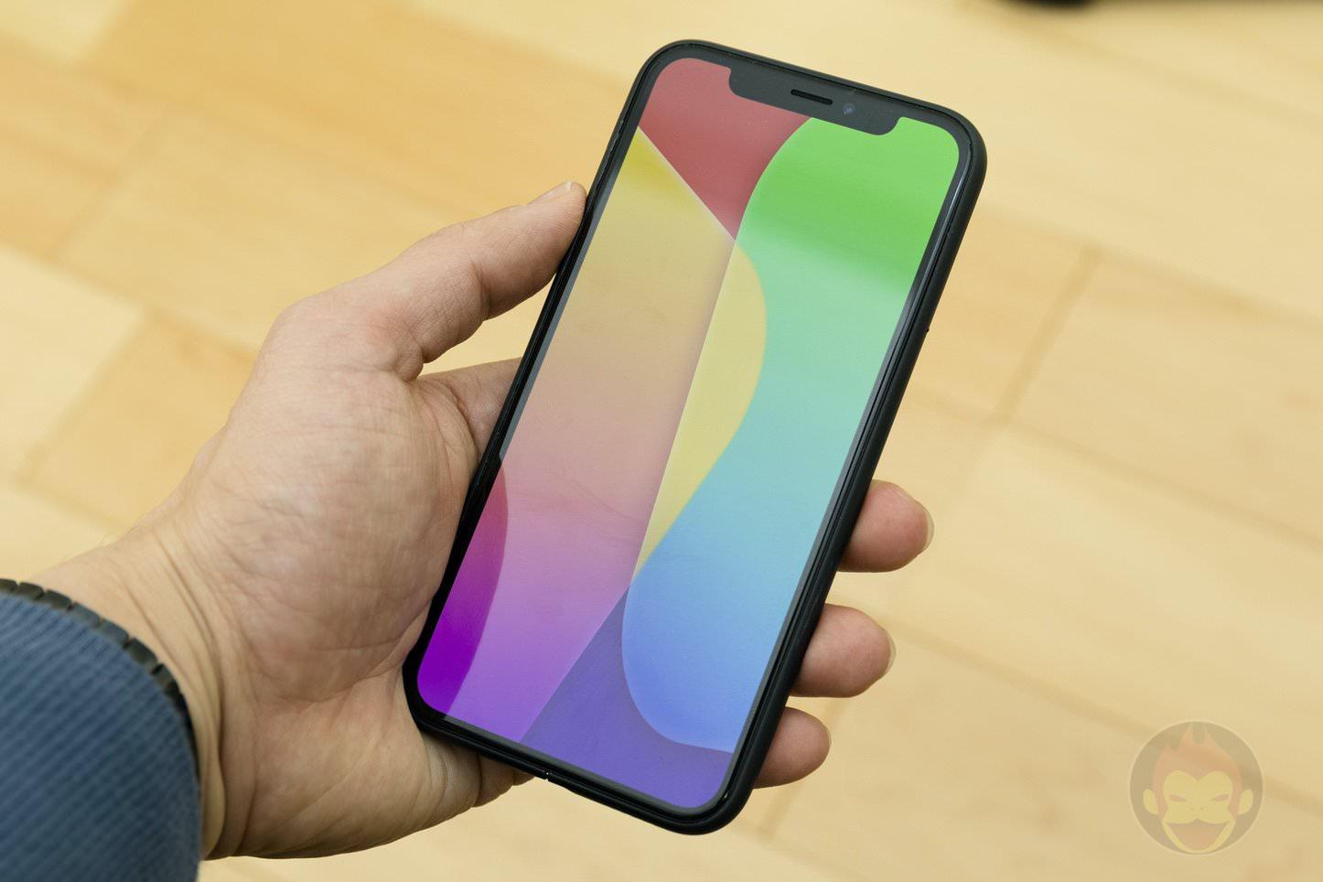 Mynus-iPhoneX-Case-Black-White-24.jpg