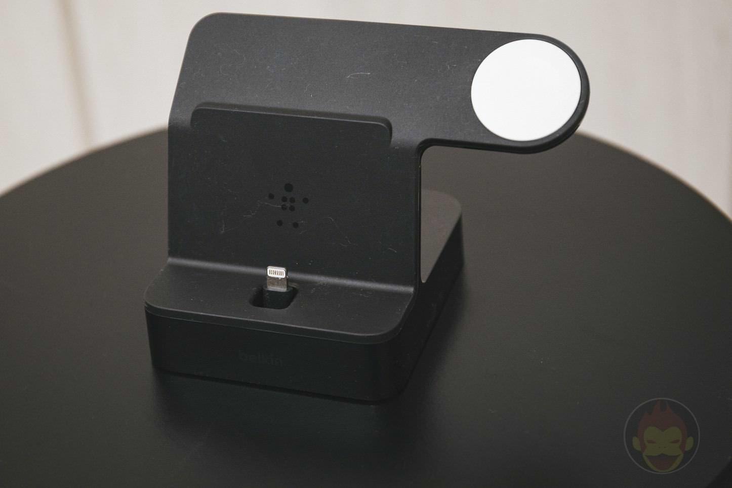 Apple Watch iPhone Stand Belkin 02