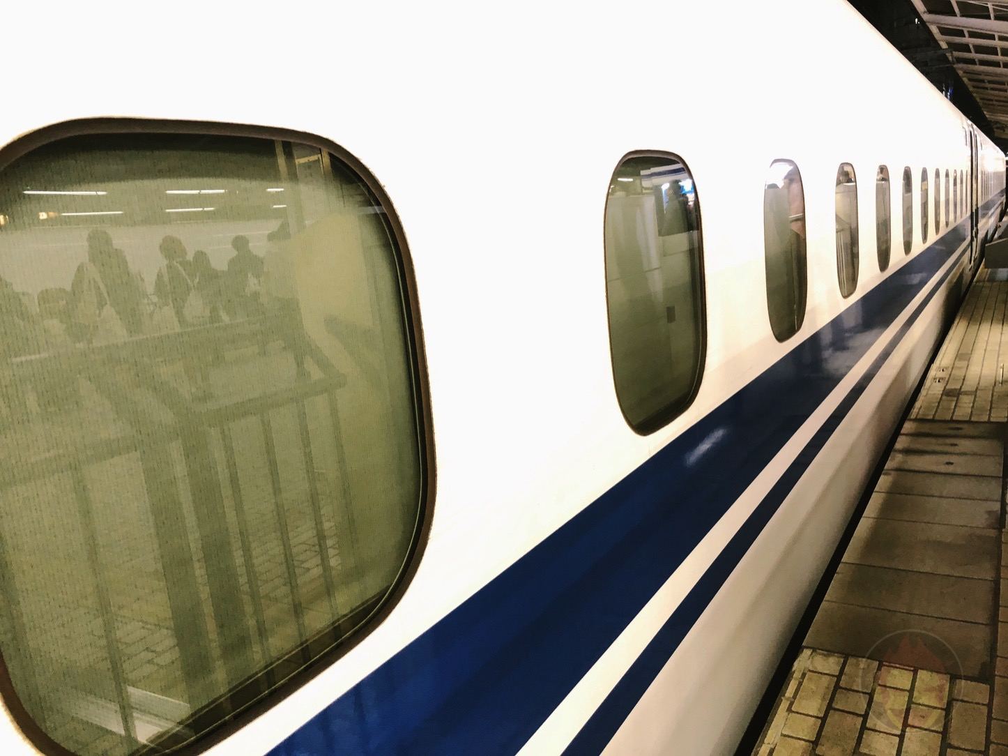 Bullet-Train-Shin-Osaka-01.jpg