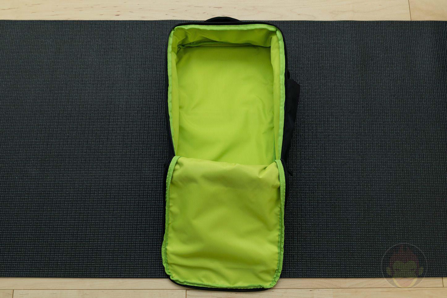 Quiver Gym Splashproof Shoulder Bag 06