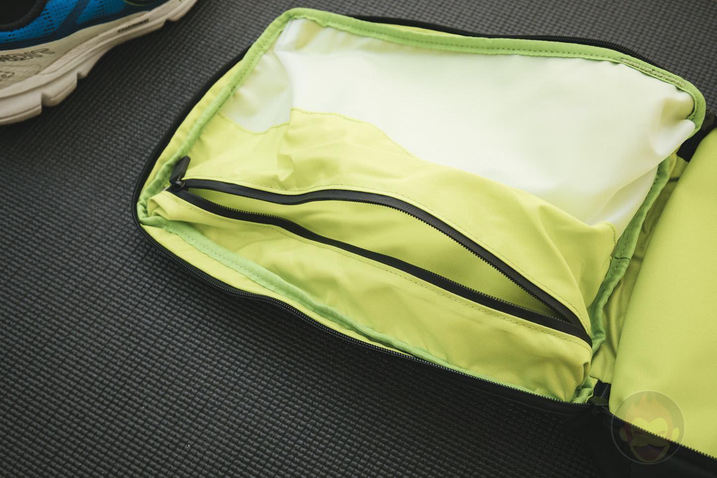 Quiver Gym Splashproof Shoulder Bag 15