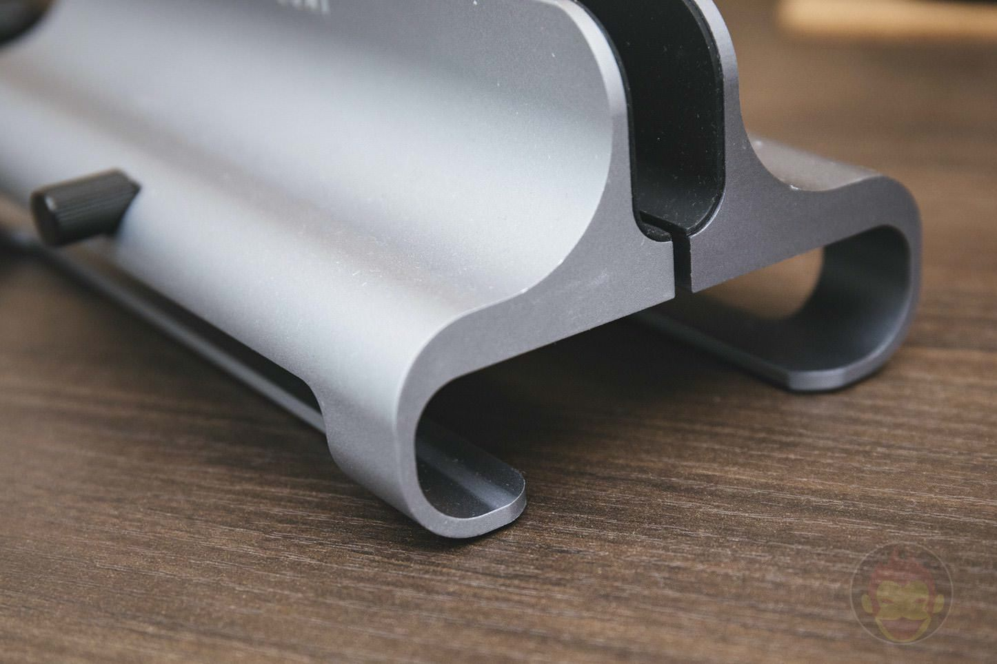 Satechi Universal Aluminum Laptop Stand 03