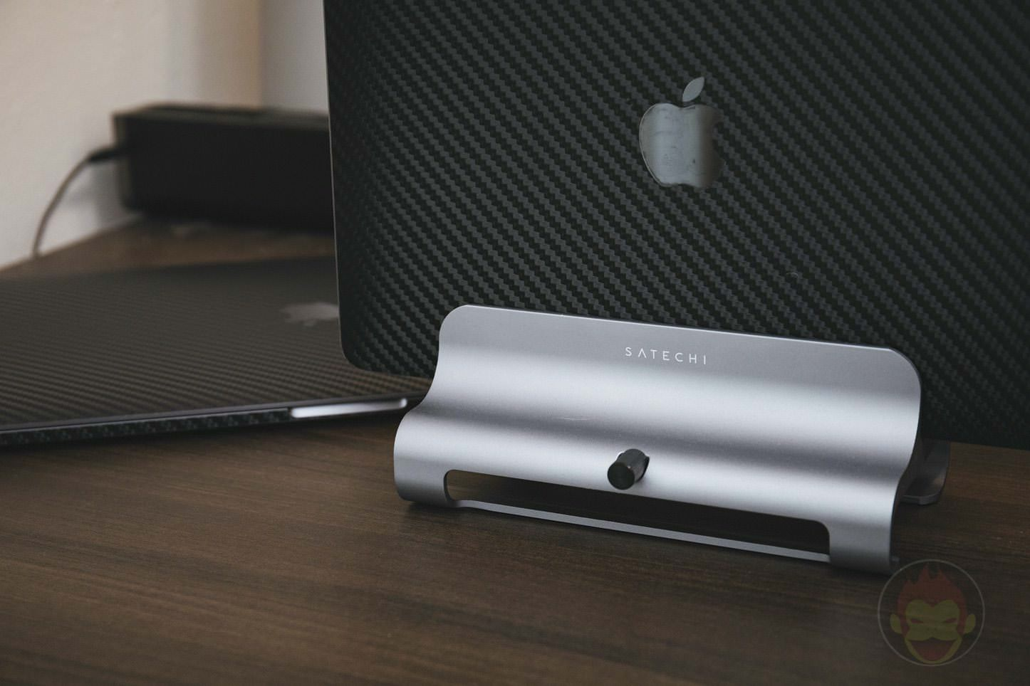 Satechi Universal Aluminum Laptop Stand 08