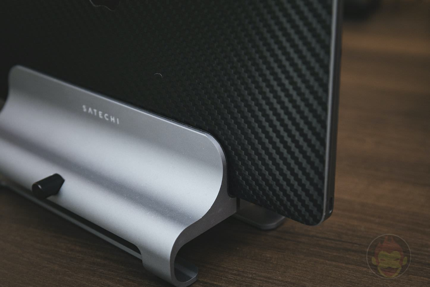 Satechi Universal Aluminum Laptop Stand 09