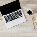 lauren-mancke-60627-mac-and-desk