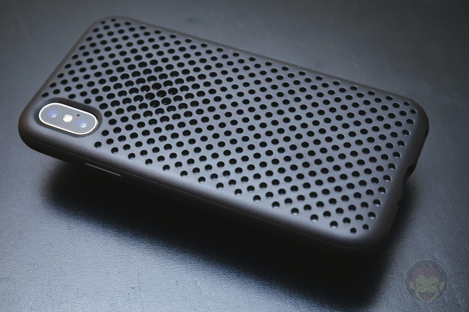 AndMesh Mesh Case for iPhoneX 01