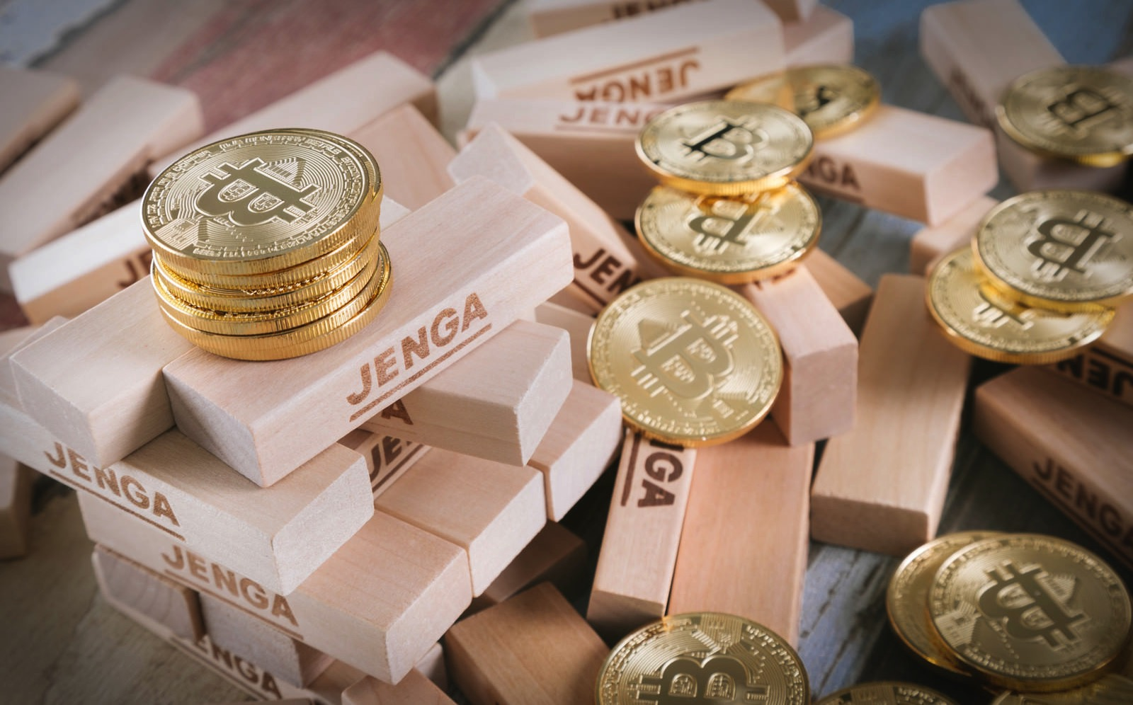 Bitcoin and jenga pakutaso
