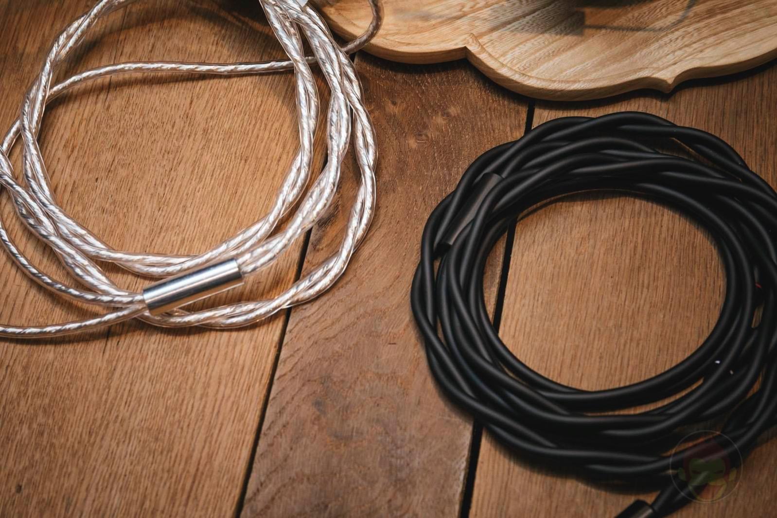 Final-Audio-Design-Headphones-and-Earphones-05.jpg