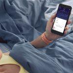 Fitbit_Versa_Lifestyle_Core_Peach_Bedroom_SleepStages.jpeg