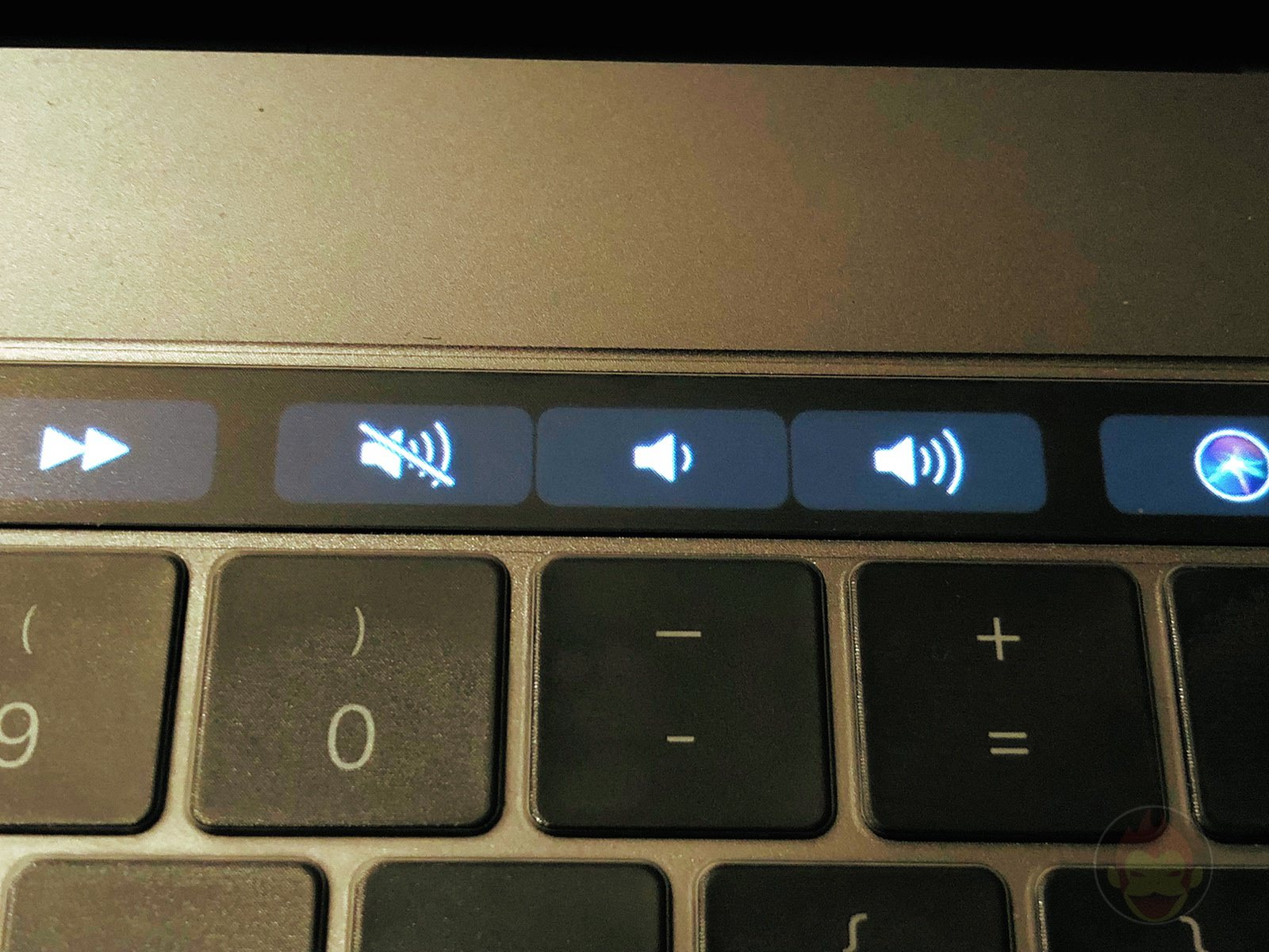 MacBook Pro TouchBar Sound 01