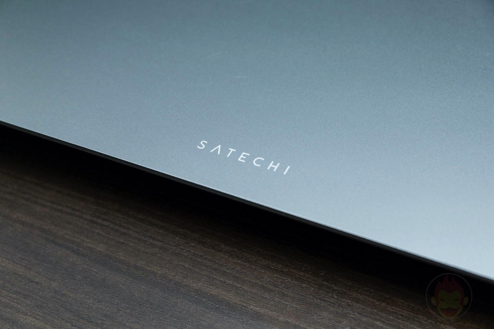 Satechi-Aluminium-Moniter-Stand-02.jpg