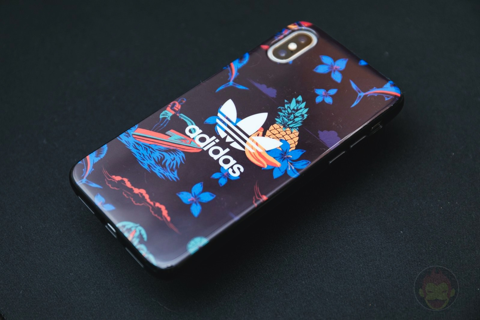 Adidas Originals Beach Snap Case iPhoneX 01