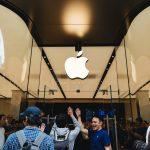 Apple-Store-Shinjuku-Grand-Open-02.jpg