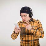 GoriMe-looking-at-iphone-with-headphones-01.jpg